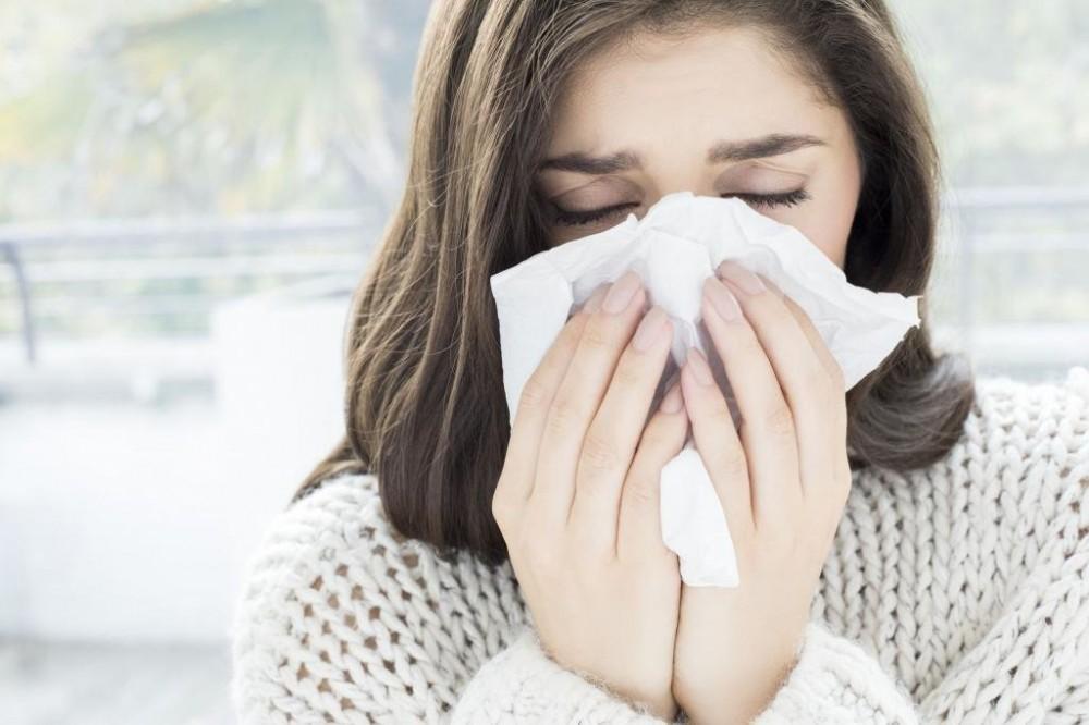 Причины насморка в сырость